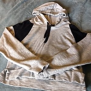 Long sleeve grey cropped hoodie